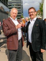 Andreas Hartmann (Kantonsrat und Präsident des kantonalen Gewerbeverbands) und Robert Raths an der Wahlfeier in Rorschach. (Bild: Rudolf Hirtl)