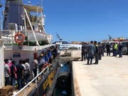 Das Rettungsschiff Mare Jonio in Lampedusa: Das Uno-Menschenrechtsbüro in Genf kritisiert die Migrationspolitik der italienischen Regierung. Ein neues Sicherheitspaket, das in den nächsten Tagen verabschieden werden soll, sieht unter anderem drakonische Strafen für private Retter vor. (Archivbild). (Bild: KEYSTONE/EPA ANSA/ELIO DESIDERIO)