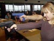 Schiesstraining für eine Primarschul-Lehrerin im US-Bundesstaat Utah. (Bild: KEYSTONE/AP/Rick Bowmer)