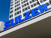 Der Sulzer-Konzern ist auf Einkaufstour in den USA gegangen: Bild des Sulzer-Logos (Archiv). (Bild: KEYSTONE/STEFFEN SCHMIDT)