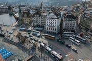 Blick auf den Schwanenplatz: Hier ist Luzern städtisch - dennoch erfüllt der Kanton die Urbanitäts-Kriterien des Nationalen Finanzausgleichs (NFA) nicht. (Bild: Boris Bürgisser, 27. März 2019)
