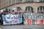 Kundgebung für griffigere Massnahmen gegen den Klimawandel in St.Gallen: Die regelmässigen Demos haben die Klimaerwärmung auch in der Stadtpolitik neue Aktualität verliehen. (Bild: Adriana Ortiz Cardozo - 18. März 2019)