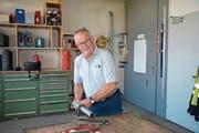 Köbi Egli in der RWT-Werkstatt an der Neudorfstrasse in Kirchberg. (Bild: Beat Lanzendorfer)