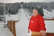 Theddy Amstutz bei der Skisprungschanze in Engelberg. (Bild: Corinne Glanzmann, 15. Dezember 2010)
