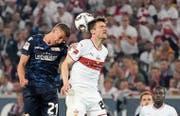 VfB-Profi Christian Gentner (r.) gegen Unions Grischa Proemel.