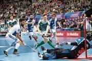 Die dynamische Sportart Unihockey hat es auf die Bildschirme der Schweizer Haushalte geschafft. (Bild: Keystone/Ennio Leanza)