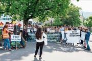 Rund 80 überwiegend jugendliche Personen nahmen am Klimastreik in der Stadt Zug teil. (Bild: PD)