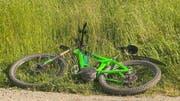 Der E-Bike-Fahrer verstarb noch am Unfallort. (Bild: BRK News)