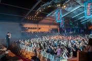 Viele Hits und Ohrwürmer: Der deutsche Popsänger Nico Santos war am Freitagabend der erste Headliner. (Bild: Urs Bucher)