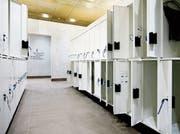 Die Technik für die Garderobenkästen war untauglich für den Badebetrieb. (Bild: Stefan Kaiser, Oberägeri, 25. Mai 2019)