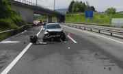 Von den fünf Insassen des verunfallten Autos wurde nur einer verletzt. (Bild: Kantonspolizei Schwyz, Küssnacht, 25. Mai 2019)