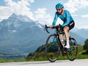 Dario Cataldo - im Bild während der Tour de Romandie 2018 - gewann in Como die 15. Etappe des Giro d'Italia (Bild: KEYSTONE/VALENTIN FLAURAUD)