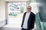 Niklaus Zeier, Kommunikationschef der Stadt Luzern, vor dem Innenhof des Stadthauses. (Bild: Nadia Schärli, Luzern, 27. Mai 2019)