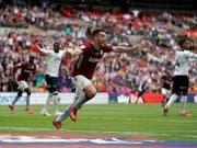 John McGinn erzielt den entscheidenden Treffer zum Aufstieg von Aston Villa (Bild: KEYSTONE/AP PA/SCOTT WILSON)