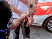 Die Opferhilfestellen in der Schweiz haben im vergangenen Jahr 41'540 Beratungen nach Straftaten durchgeführt. Das waren mehr als im Vorjahr. (Bild: KEYSTONE/CARLO REGUZZI)