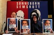 Die Satiriker Martin Sonneborn (l.) und Nico Semsrott sind neu im Europaparlamant vertreten. (Bild: Felipe Trueba/EPA)