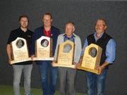 Die Sieger des Aktionärsschiessens (von links): Daniel Renggli, Kägiswil (Ordonnanz 300 m), Josef Zemp, Wilen (Jagd 150 m), Guido Bauer, Meiringen (Pistole 25 m), Werner Graber, Tschingel (sport 300 m)