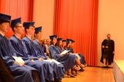 Zum ersten Mal konnten auf einer Jahrgangsstufe elf Absolventen ihre Diplome entgegennehmen. Einziger Absolvent aus der Region Werdenberg ist Maximilian Kendlbacher aus Gams. (Bilder: Jessica Nigg)