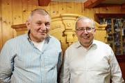 Der langjährige Präsident Roland Moser (links) übergibt das Amt seinem Nachfolger Thomas Ammann. (Bild: Hansruedi Rohrer)