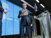 EU-Ratspräsident Donald Tusk will nach eigenen Angaben mindestens die Hälfte der neuen Top-Positionen in der EU mit Frauen besetzen. Für diesen Plan habe es eine Mehrheit bei den Beratungen der EU-Staats- und Regierungschefs gegeben, sagte Tusk am Dienstagabend nach Ende des EU-Gipfels in Brüssel. (Bild: KEYSTONE/EPA POOL/OLIVIER HOSLET)