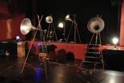 Der Sound des Orchesters kommt aus acht parallel installierten Lautsprechern. Die speziellen Lautsprecher, sie sind dünn und trichterförmig, hat Kessler während einer Tour in Nepal gekauft. Bild: PD
