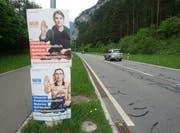 Plakate an Kandelabern entlang von öffentlichen Strassen haben auch in Uri Einzug gehalten. (Bild: PD)