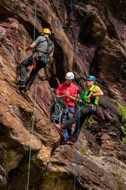 Das richtige Verhalten im steilen Gelände ist für die Bergretter sehr wichtig.