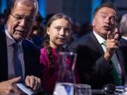 Gemeinsam für den Schutz des Klimas: Österreichs Bundespräsident Alexander Van der Bellen, die 16-jährige schwedische Klimaaktivistin Greta Thunberg und Arnold Schwarzenegger in Wien. (Bild: KEYSTONE/APA/APA/GEORG HOCHMUTH)