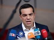 Die vorgezogene Parlamentswahl in Griechenland wird am 7. Juli abgehalten. Der griechische Ministerpräsident Alexis Tsipras (im Bild) hatte Neuwahlen nach dem Debakel seiner linken Syriza-Partei bei der Europawahl am Sonntag angekündigt. (Bild: KEYSTONE/EPA/STEPHANIE LECOCQ)