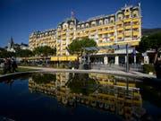 Das Montreux Palace ist vom Donnerstag bis Sonntag für das Bilderberg-Treffen reserviert. (Bild: KEYSTONE/MARTIAL TREZZINI)