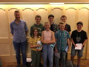 Ehrung der JO-Kids (von links): Armin Briker (JO-Chef), Lorena Kempf, Yannick Planzer, Lilly Briker, Nico Gisler, Joel Aschwanden, Robin Kempf, Silvan Briker. (Bild: PD)