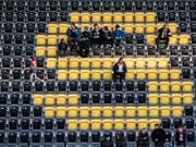 Ein paar Fans des FC Schaffhausen präsentierten sich in Winterthur in keinem guten Licht. ((Symboldbild) (Bild: KEYSTONE/ENNIO LEANZA)