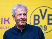 Viele Gründe, zufrieden zu sein: Lucien Favre blickt auf ein erfolgreiches erstes Jahr mit Borussia Dortmund zurück (Bild: KEYSTONE/DPA/GUIDO KIRCHNER)
