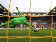 Eines von 973 Toren in der abgelaufenen Bundesliga-Saison: Borussia Dortmund trifft gegen Fortuna Düsseldorf (Bild: KEYSTONE/EPA/FRIEDEMANN VOGEL)