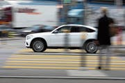 «Pay-How-You-Drive», bezahle wie Du fährst. Damit werden Prämien dem Fahrverhalten angepasst. (Bild: Gaetan Bally/Keystone (Zürich, 4. März 2019)