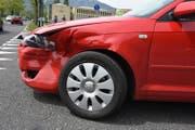 An den am Unfall beteiligten Fahrzeugen entstand Sachschaden. (Bild: Landespolizei)
