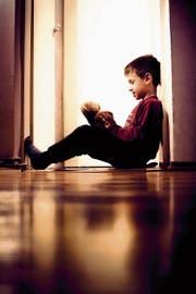 Ein Kind braucht Geborgenheit und Anerkennung, eine «innere Heimat». (Bild: Dejan Kolar/Getty)