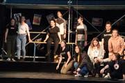 Locker, fröhlich und trotzdem konzentriert: Schülerinnen und Schüler während einer Probe für die Musicalaufführung. (Bild: Barbara Hettich)