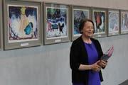 Lässt Bilder sprechen: Elisabeth Sailer-Weiss stellt das neue Buch «Goldi, Wolkenpicker und Schlarpi» vor.