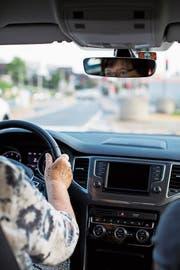 Die Behörden können Autofahrerinnen und -fahrer schon heute zu Testfahrten aufbieten. (Bild: Alexandra Wey/Keystone)