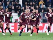 Torschütze Sasa Lukic und seine Mitspieler vom FC Torino bejubeln das frühe 1:0 (Bild: Keystone/EPA/ALESSANDRO DI MARCO)