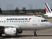 Air France-KLM weitet wegen niedriger Ticketpreise Verlust aus. (Bild: KEYSTONE/AP/CHRISTOPHE ENA)