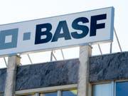 BASF-Betriebsgewinn bricht im ersten Quartal um fast ein Viertel ein. (Bild: KEYSTONE/MAXIME SCHMID)