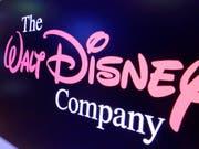 Eine Folge der Übernahme des Rivalen 21st Century Fox durch den Unterhaltungs-Konzern Disney: Der Entertainment-Riese muss sich auf Geheiss der Kartellbehörden von 21 Sportsendern trennen. (Bild: KEYSTONE/AP/RICHARD DREW)