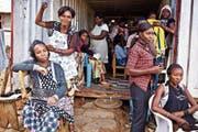 Berufsbildungsprojekte – im Bild eine Coiffeurschule im Kongo – sind die Kernkompetenz der Stiftung Swisscontact. (Bild: HO)