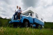 Weltreise: Rebecca Strickler und Patrick Hegglin gehen mit ihrem umgebauten Saurer-Lastwagen auf Weltreise. (Bild: Stefan Kaiser, Menzingen, 27. Mai 2019)