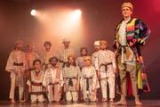 Die elf Brüder sind neidisch auf Joseph und seinen farbigen Mantel. (Bild: Sascha Erni)