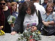 In New York ist am Donnerstag ein neuer Teil der Gedenkstätte beim «Ground Zero» eröffnet worden. Der von Felsen gesäumte Weg ist etwa den Helfern bei der Katastrophe gewidmet. (Bild: KEYSTONE/AP/SETH WENIG)