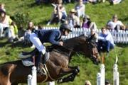 Der Weltranglisten-Erste gewinnt auf seinem Pferd Venard. (Bild: KEY)