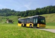 Ein Postauto unterwegs auf der Strecke von Obbürgen auf den Bürgenstock. Auf dem Glaubenbergpass verkehren im Sommer auch an Wochenenden und Feiertagen Postautos. (Bild: PD)